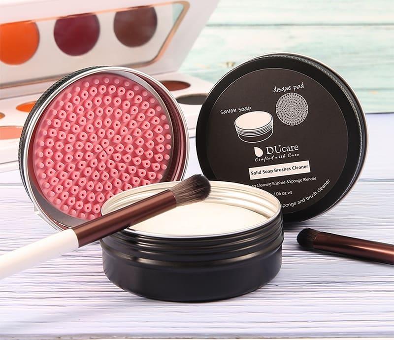 meilleur-nettoyant-pour-pinceaux-à-maquillage