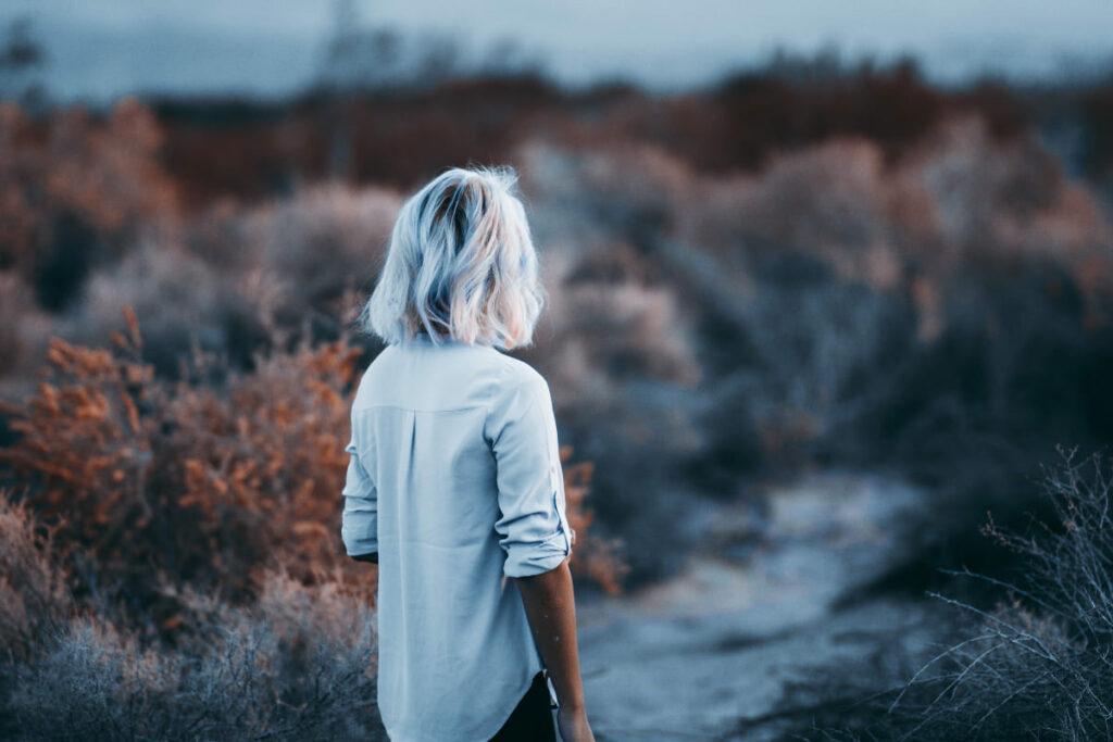 Comment-faire-pour-avoir-de-beaux-cheveux-blancs-naturellement